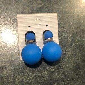 Jewelry - 💙Trendy Blues💙Post Ball Earrings!